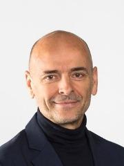 van Tulder, Prof. Maurits